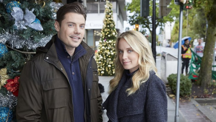 "Preview: ""Time For Me To Come Home For Christmas"" A Hallmark Movies & Mysteries 'Miracles Of Christmas' Original Movie (2018)"